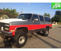 1989 chevy suburban lifted