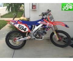 08 CRF450 VERY CLEAN AND ONLY 29hrs, LOTS OF EXTRAS!