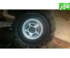 Douglas beadlock rims and paddle tires
