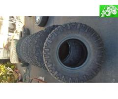 37x12.5x17 Nitto mud grappler tires