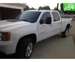 2013 Denali 2500HD diesel 4x4 fully loaded
