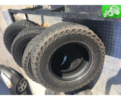 Cooper Discoverer ST Maxx tires