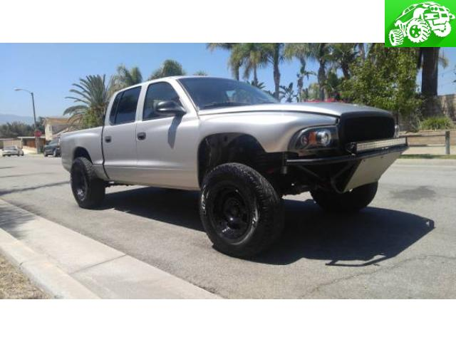 2004 Dodge Dakota Long traveled Pre Runner V8
