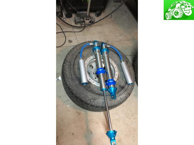 "KING 2.5 16"" Coilovers NEW and KING 2.5 4"" Bump stops"