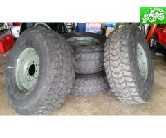 internal beadlock H1 hummer wheels and tires