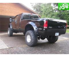 Lifted F-250 7.3L Tons of Modifications, excellent mpg, 89k New Trans