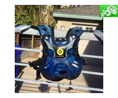 Six six one youth chest protector